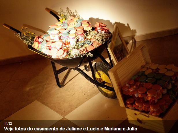 Chuva de Arroz - http://gnt.globo.com/noivas/fotos/Veja-fotos-do-casamento-duplo--Juliane-e-Lucio-e-Mariana-e-Julio.shtml