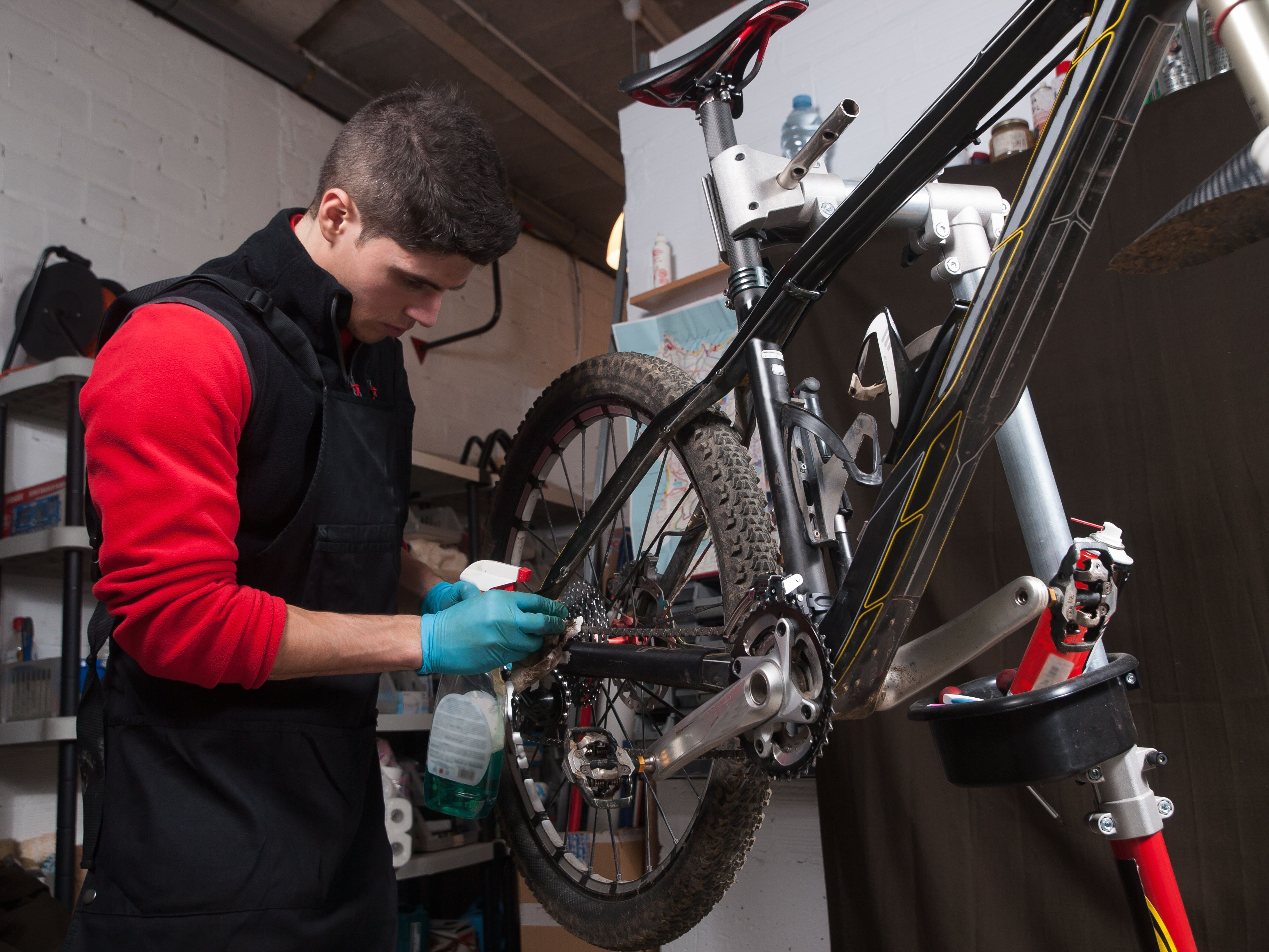 How To Clean Your Bike In 10 Minutes After A Ride In The Rain