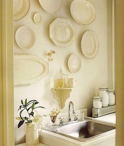 Plate Arrangements Wall Ideas | Decorating with Plates On the Wall ...