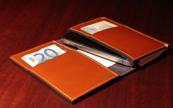 The Madison iPhone wallet for the iPhone 4S/4/3 by Landmarks and Lions