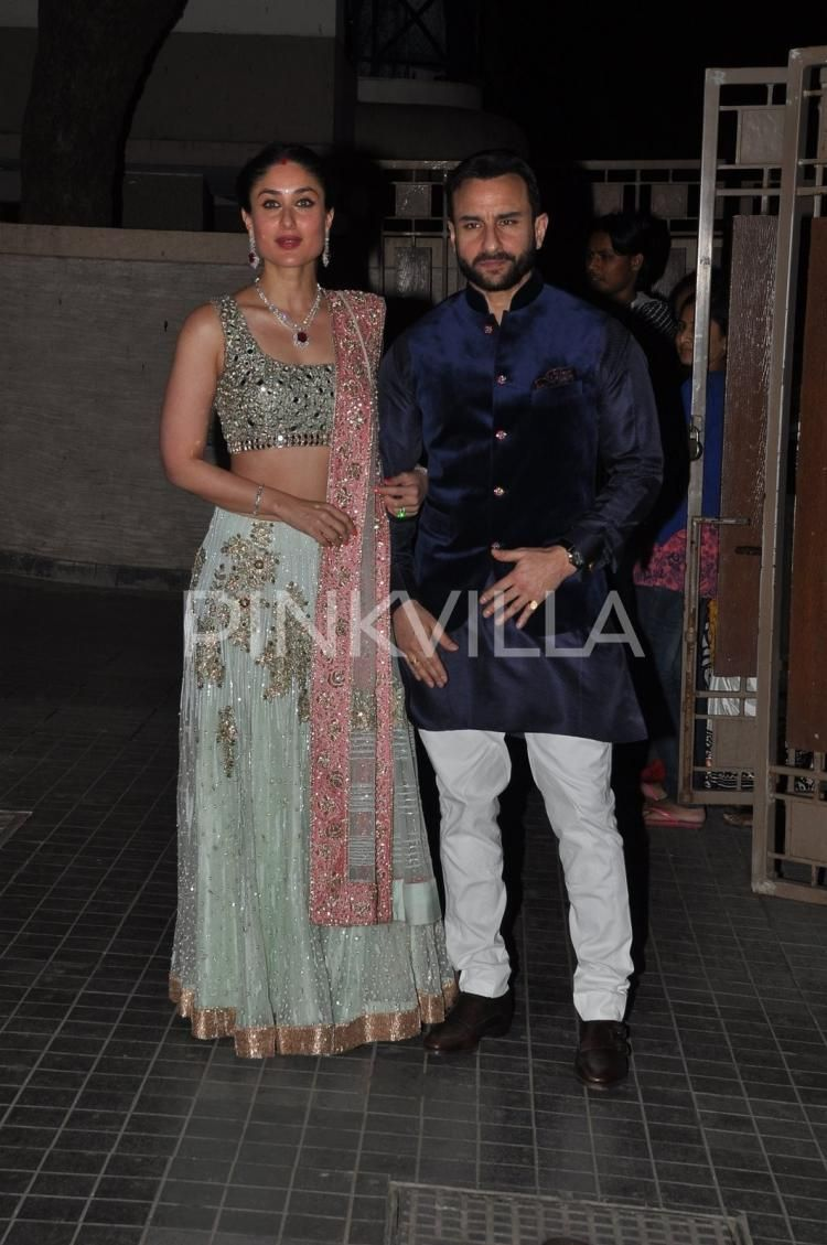 Kareena Poses With Hubby Saif Mil Sharmila At Sohas Wedding