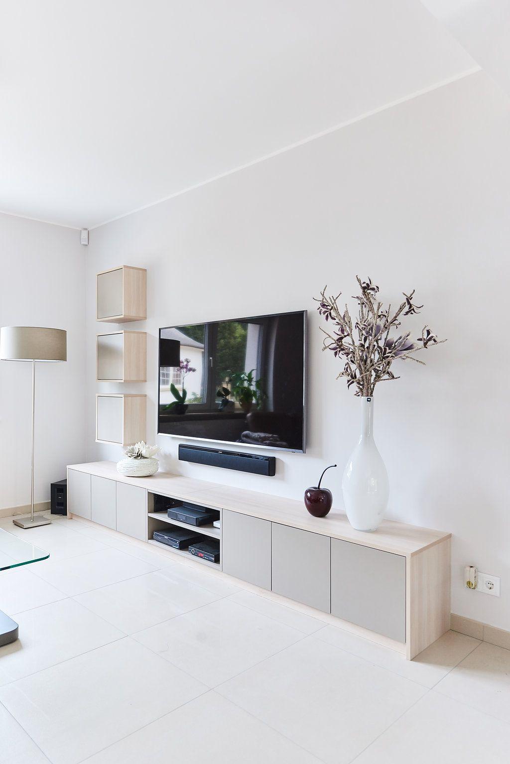 een tv meubel op maat als blikvanger in je interieur un meuble tv sur mesure comme pi ce. Black Bedroom Furniture Sets. Home Design Ideas