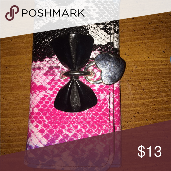 Wallet Blue pink and snakeskin super cute with a black bow Accessories