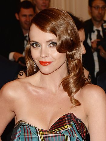 christina ricci eye makeup | ... -Carpet Beauty: The Best Hair and Makeup Looks From the 2013 Met Gala