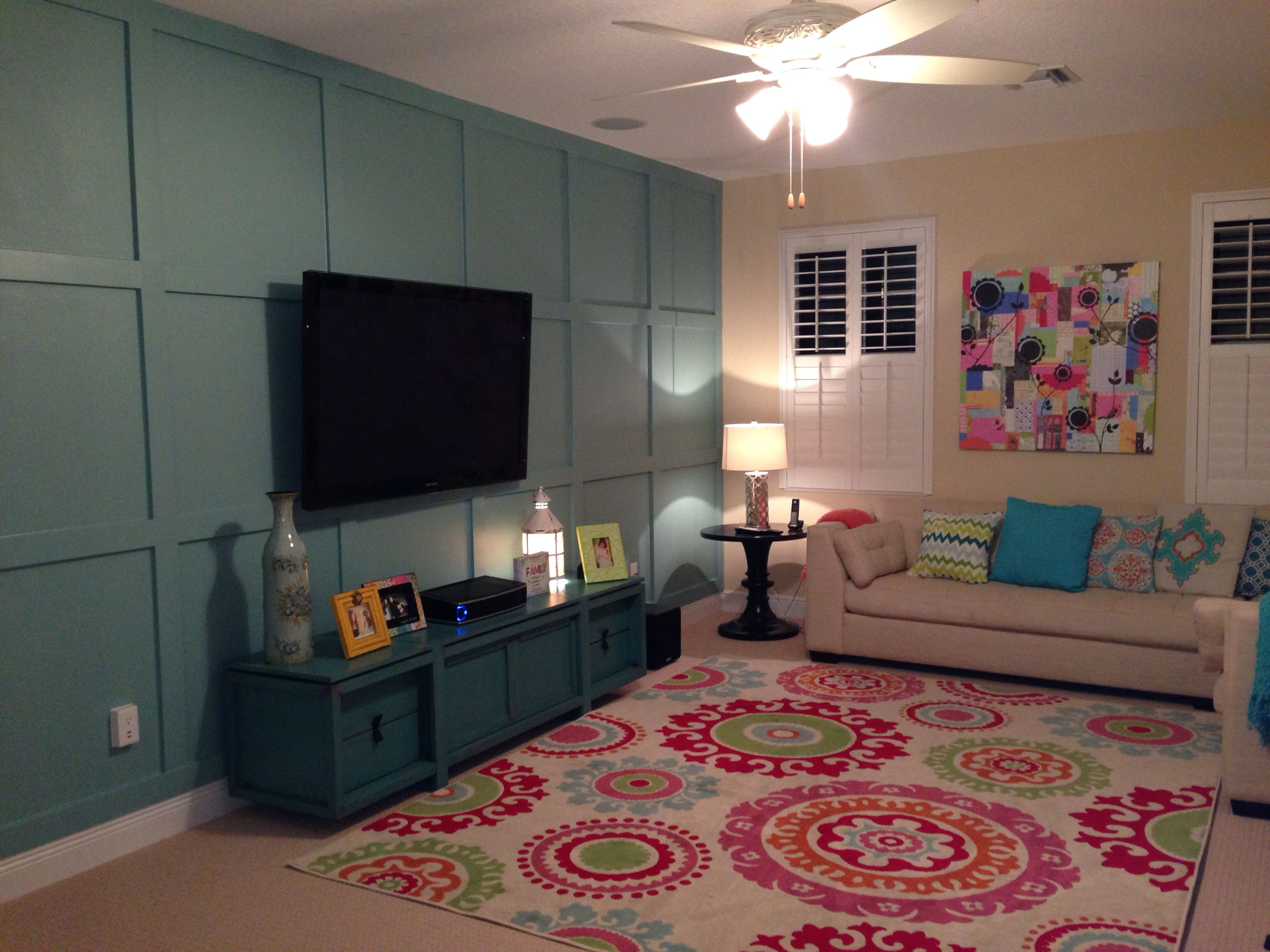 Loft bedroom ideas for teenage girls  Love the colors in the room and the feature wall Great room for
