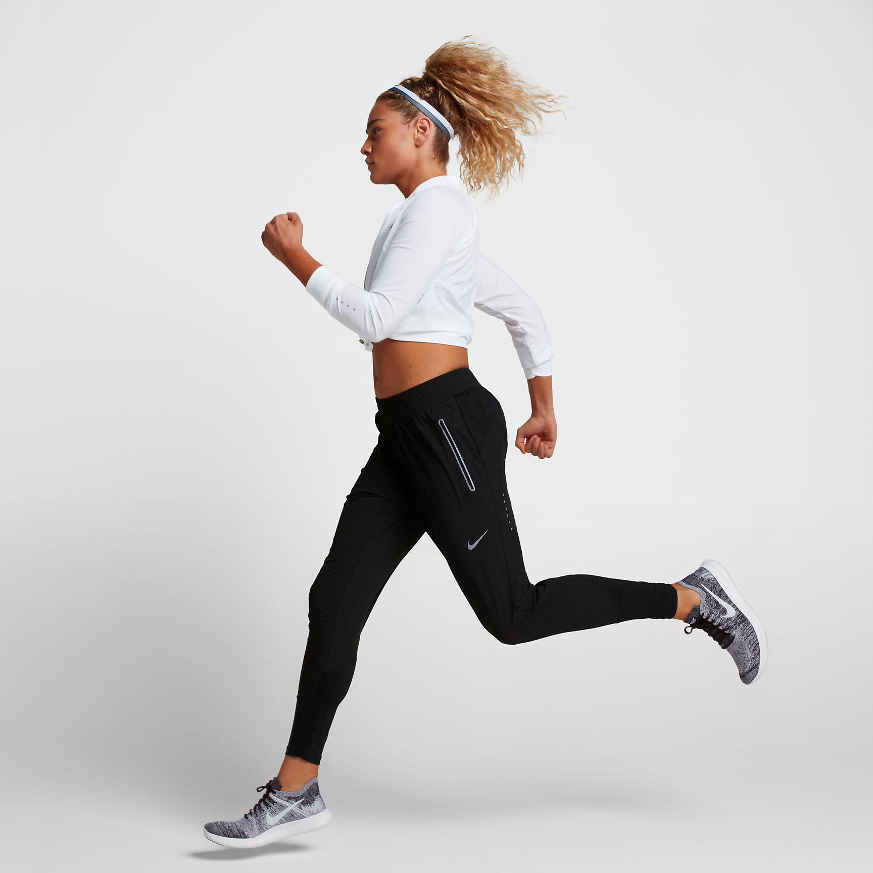 90f4bb74511a7 Nike Swift Women's 27\