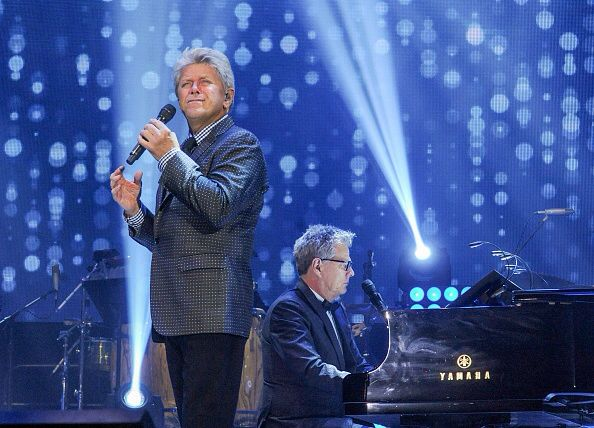 Peter Cetera Performs At The David Foster Foundation Miracle Gala And Concert Held At Mattamy Athletic Centre On September Concert Athletic Center The Fosters