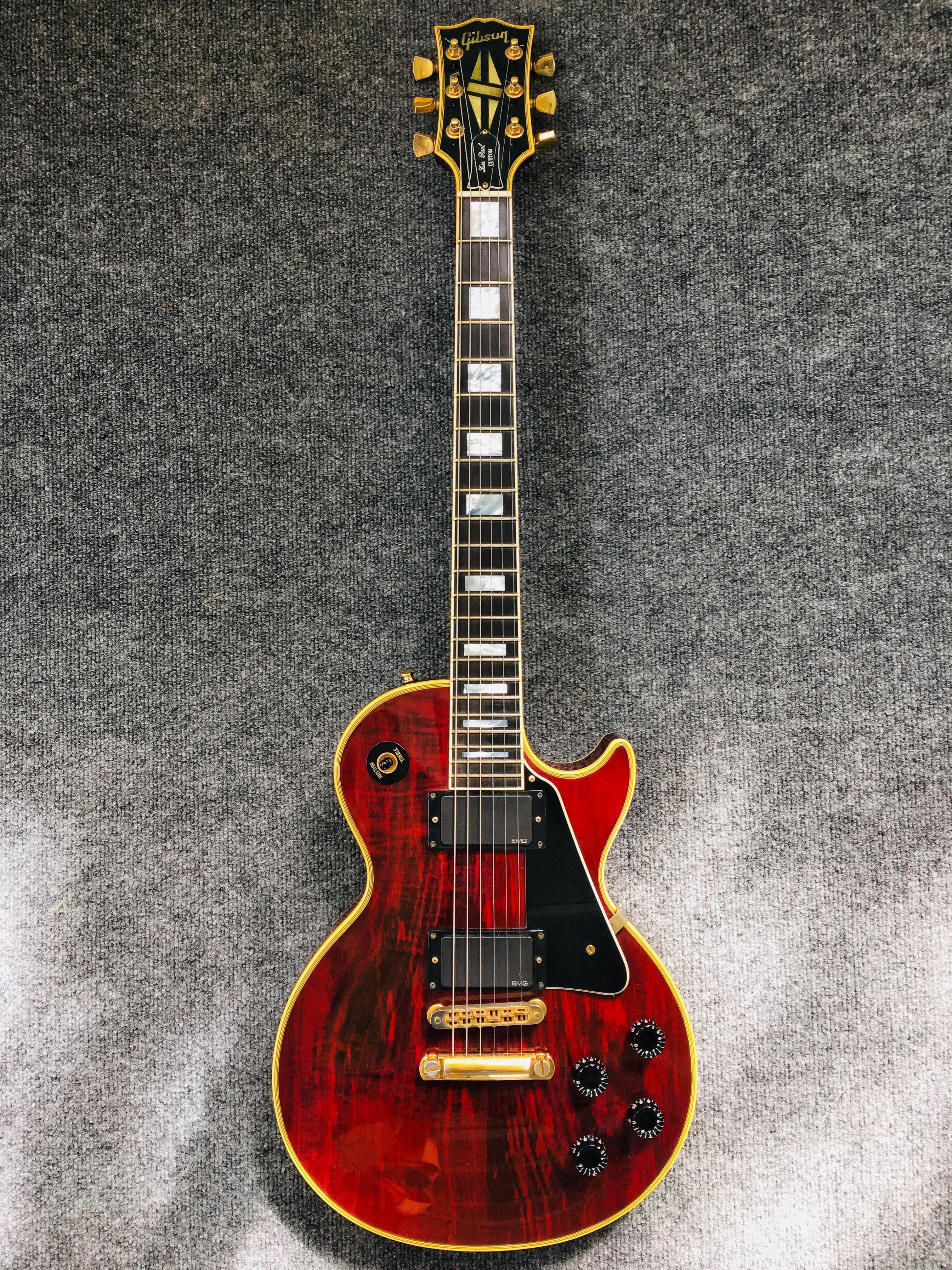 My Wine Red Gibson Les Paul Custom With A Different Color Background Les Paul Custom Gibson Les Paul Les Paul
