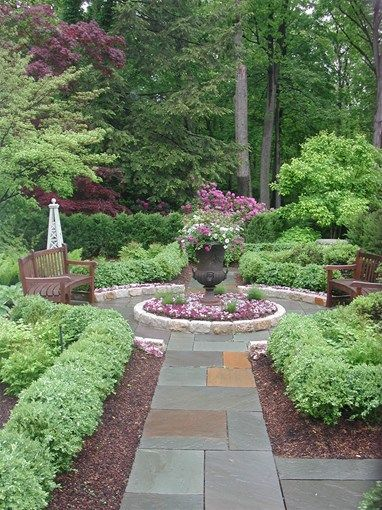 Walkway And Path Zaremba And Company Landscape Clarkston Mi Love How The Low Hedge Is Set B English Garden Design Garden Landscape Design Backyard Landscaping