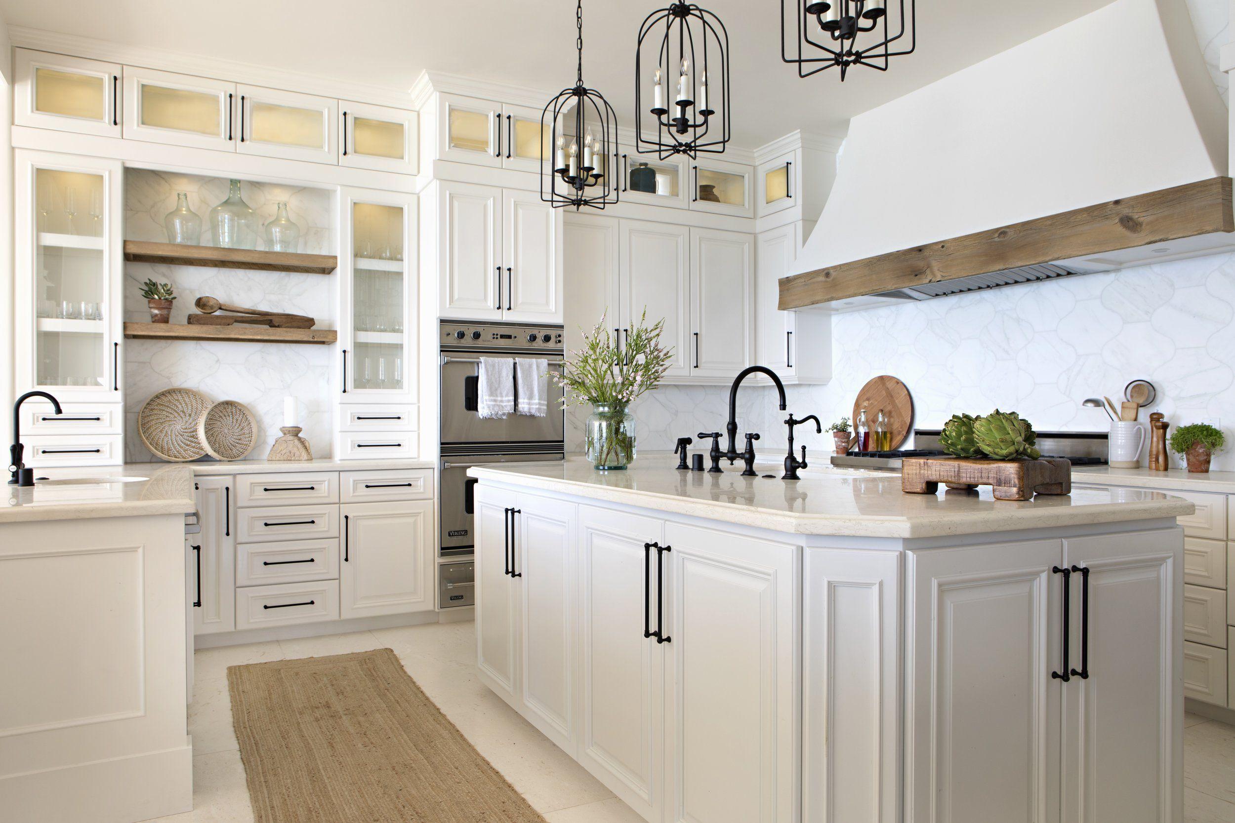 House Tour Beautiful Seaside Harmony Kitchen Design Small Kitchen Inspirations White Kitchen