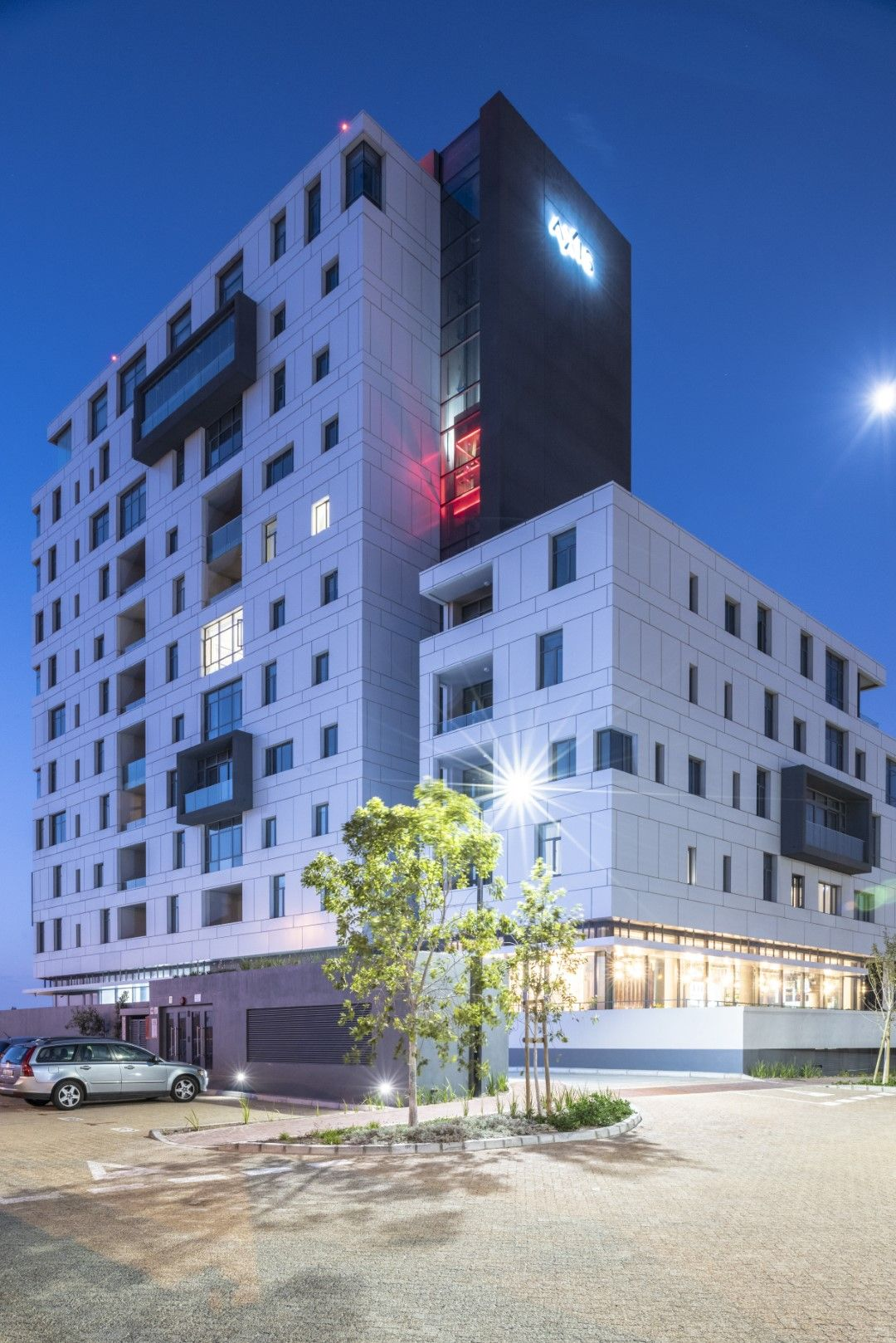 Axis Is The Latest Residential Development In Bridgeways Precinct Of Cape Town S Century City The Apartment Block Compris Building Architect Luxury Apartments