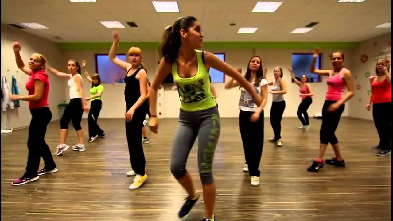 Easy Zumba Class Youtube With Images Zumba Workout Dance