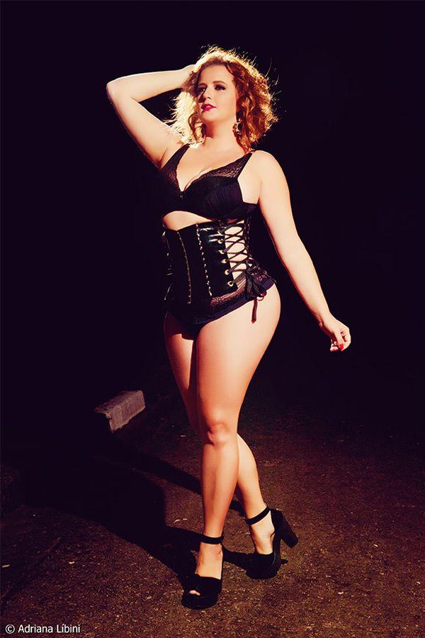 d1caa5e5ca5f12 Night Fever: Renata Poskus em uma noite quente, como você nunca viu ...