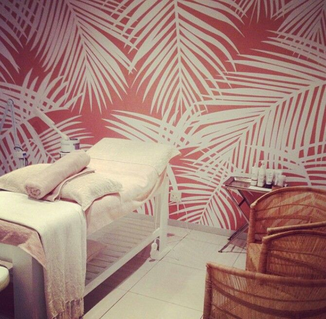 Palm tree leaves wallpaper for bathroom Tree leaf wallpaper