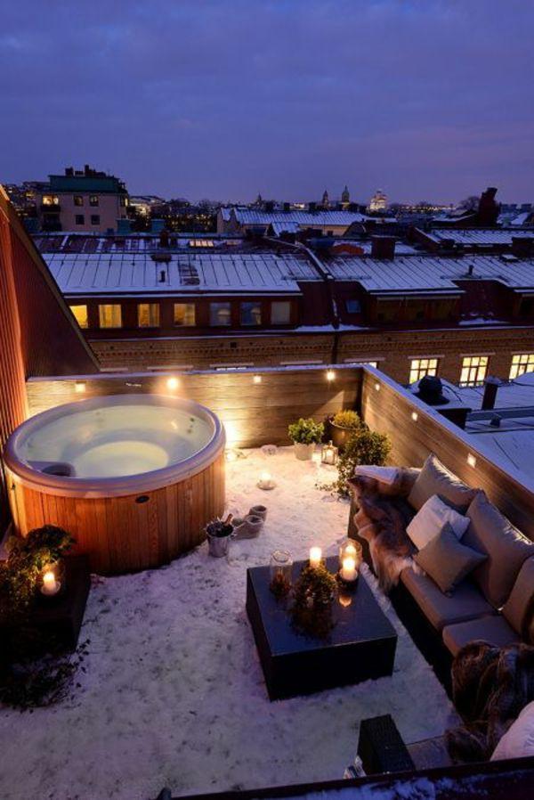 balkongestaltung modern dekoration jacuzzi kerzen Garten - moderne holzterrasse idee auseneinrichtung