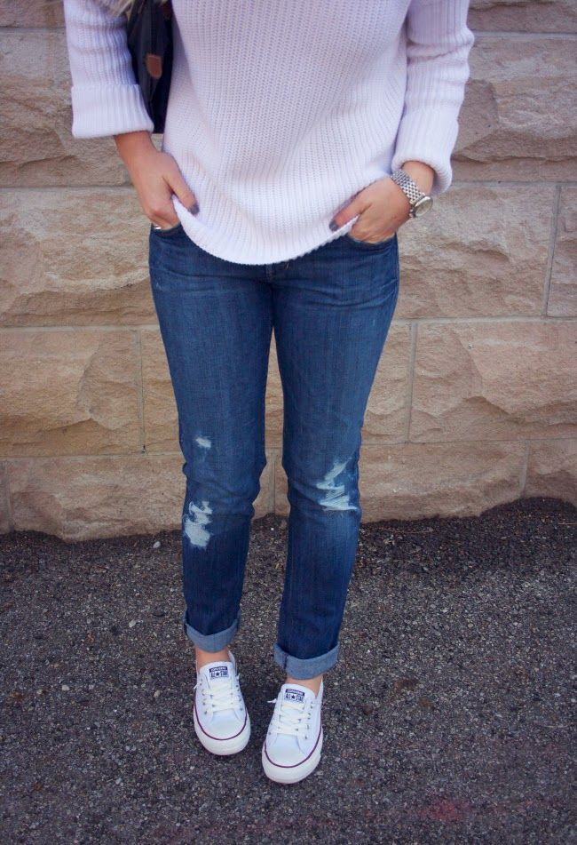 Destroyed boyfriend jeans chunky oversize white sweater u0026 Converse shoreline sneakers | casual ...