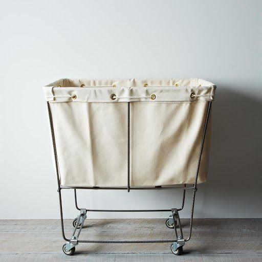 Elevated Laundry Basket Muze Verlanglijstje