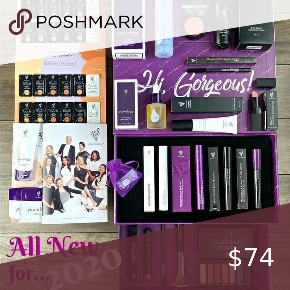 NEW 2020 KIT Closed in 2020 Presenters kit, Younique