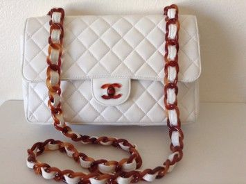 Chanel Diamond Quilted Leather Flap Tortoiseshell Hw Shoulder Bag. Get one of the hottest styles of the season! The Chanel Diamond Quilted Leather Flap Tortoiseshell Hw Shoulder Bag is a top 10 member favorite on Tradesy. Save on yours before they're sold out!
