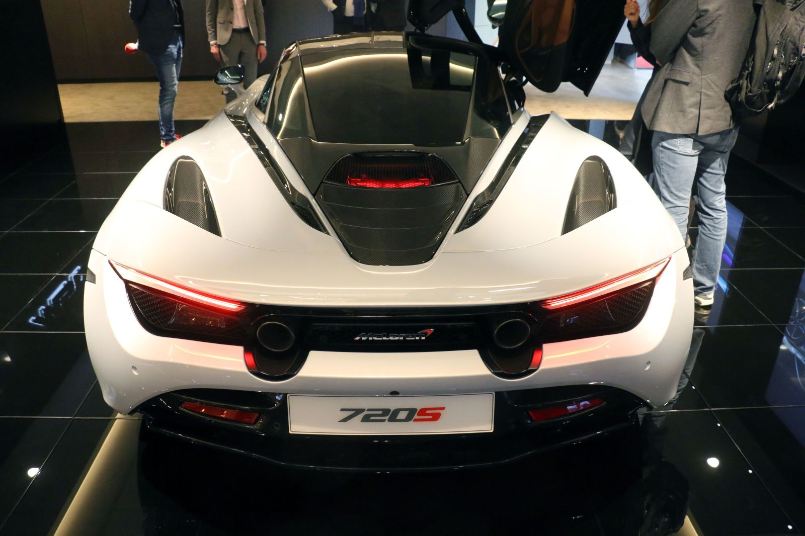 Meet The Unhinged Aeromonster That Is The Mclaren 720s Super Cars Car Show Top Cars
