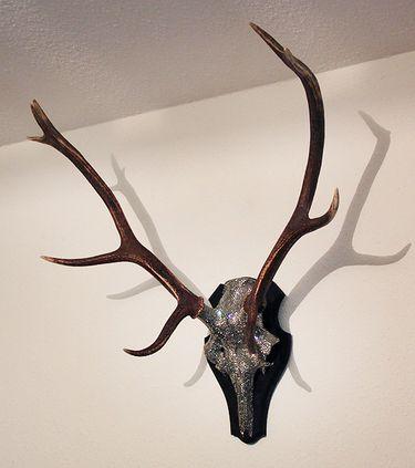 Swarovski deer wall decoration hirsch glitter dekoration deko glitter sparkle and - Dekoration hirschgeweih ...