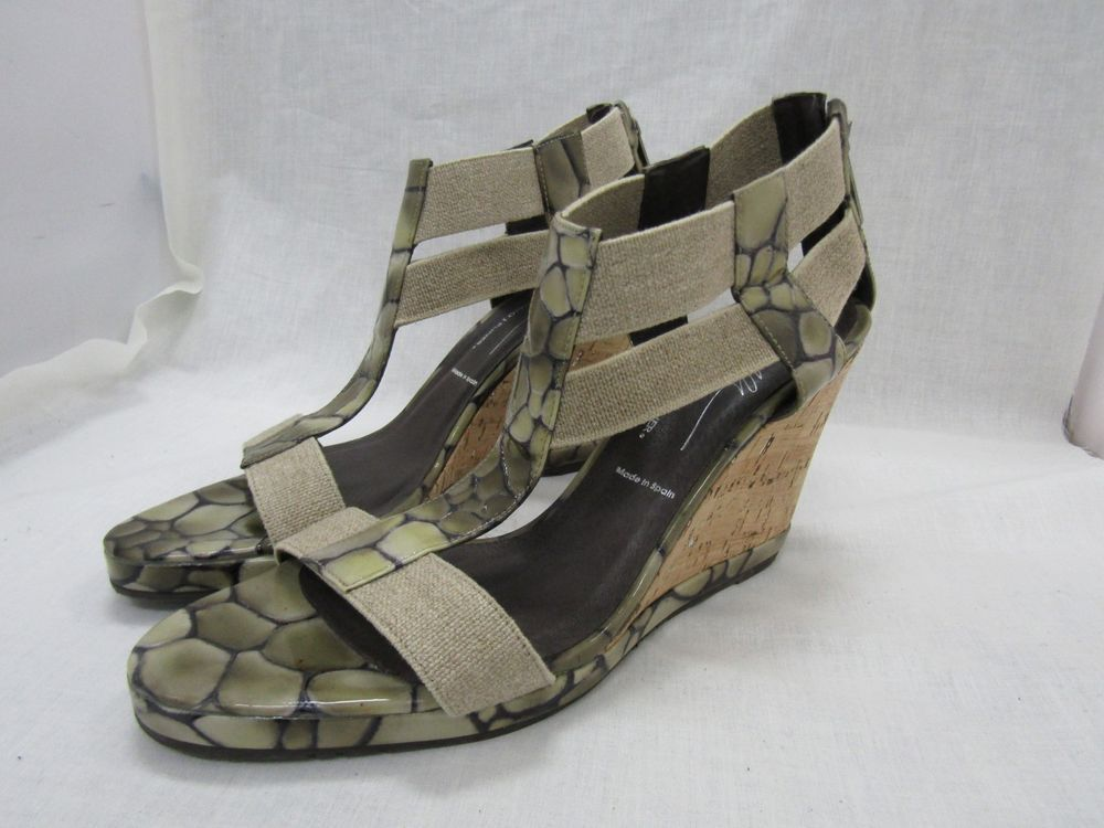 3c9d06b5589 Donald J. Pliner Women s Croc Embossed Patent Leather Cork Wedge Sandals  Size 9  fashion