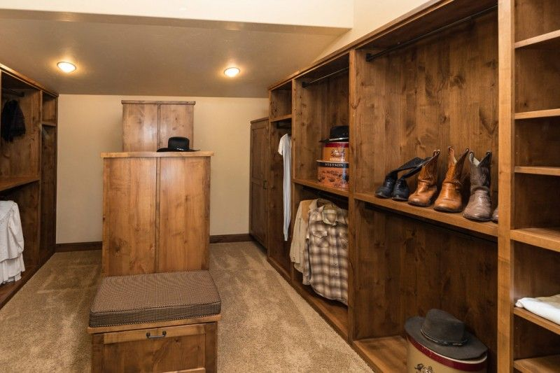 Dozens Of Walk In Closet Organizers Lowes Rustic Closet