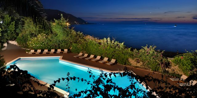 Palazzo Belmonte (With images) Dream vacations, Explore