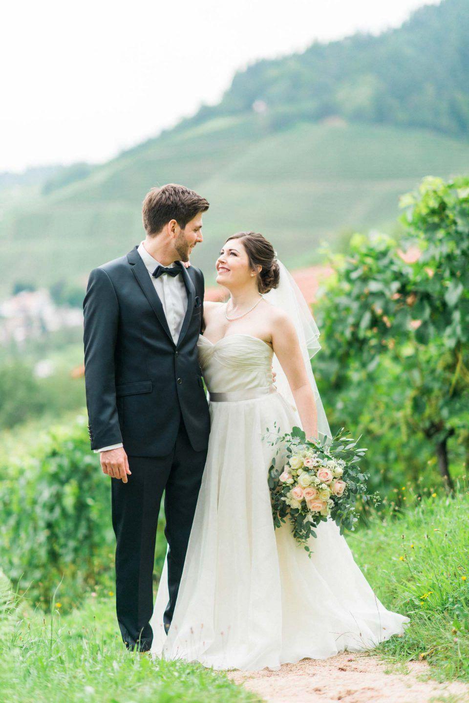 Vineyard Wedding In Germany Sommerhochzeit Meerjungfrau Hochzeitskleid Weingut Hochzeit