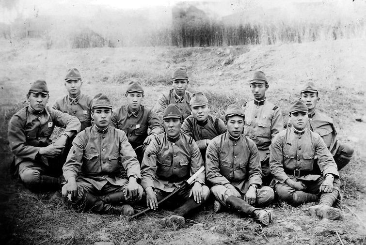 us vs japan in wwii essay The united states vs japan: compare, or contrast  to begin with, despite its rapid economic success immediately following world war ii,.