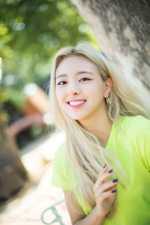 ITZY - IT'ᴢ ICY NAVER - YUNA   Kpop feminino, K pop, Garotas