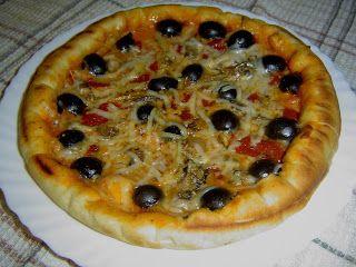 La Cocina de Inma Micó: PIZZA DE SARDINAS Y PIMIENTOS DEL PIQUILLO