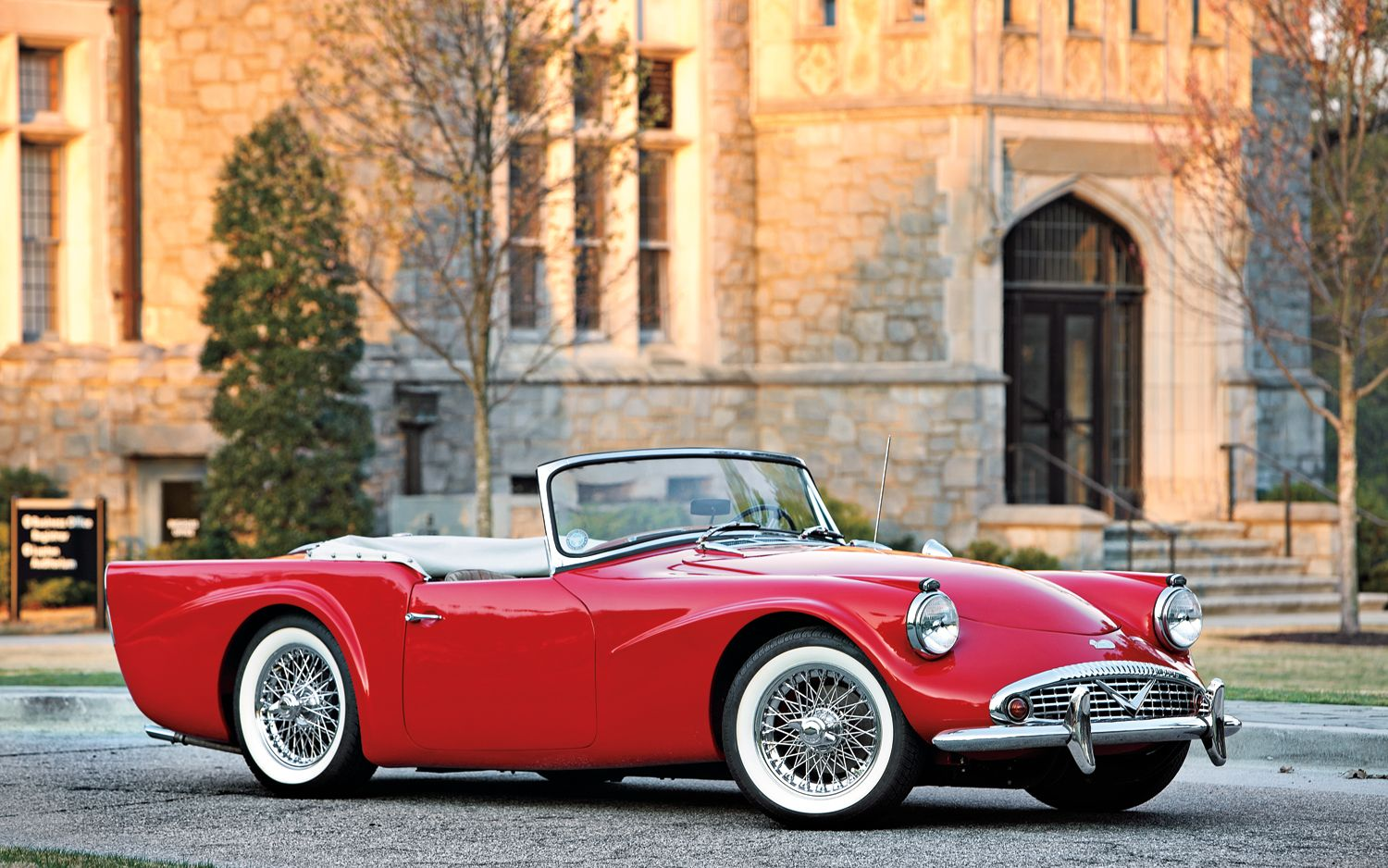 1960 Daimler SP250 HD Widescreen Classic Car Wallpaper