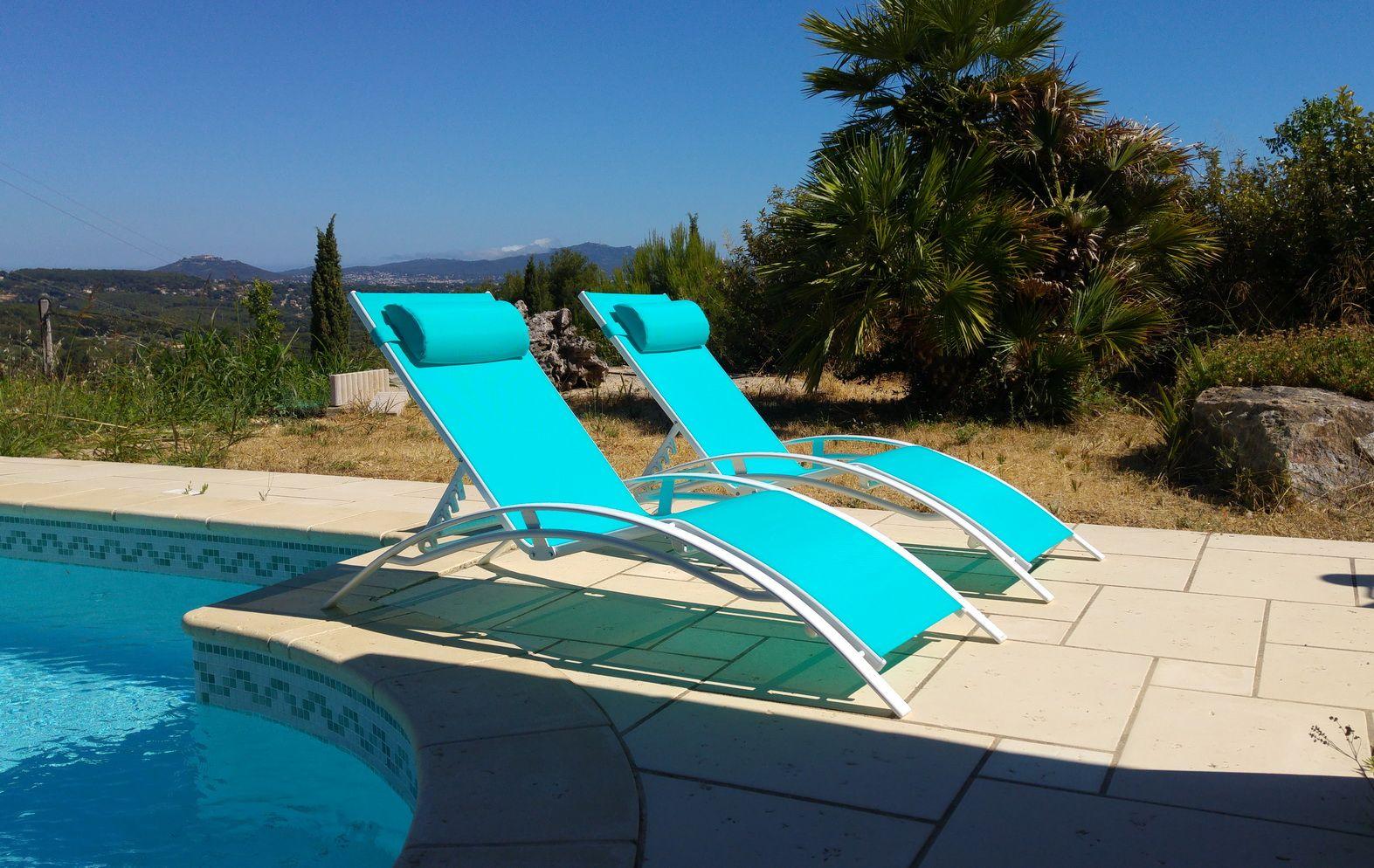 louisa x2 duo de bains de soleil en aluminium et textil ne alice 39 s garden ensemble complet. Black Bedroom Furniture Sets. Home Design Ideas