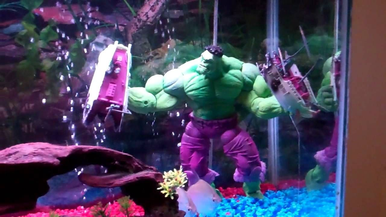 Great unique hulk decoration inside fish aquarium use j for Unique fish tank decorations