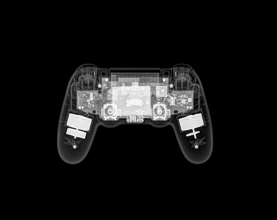 My brother took an X-ray of a 360 controller    Gaming