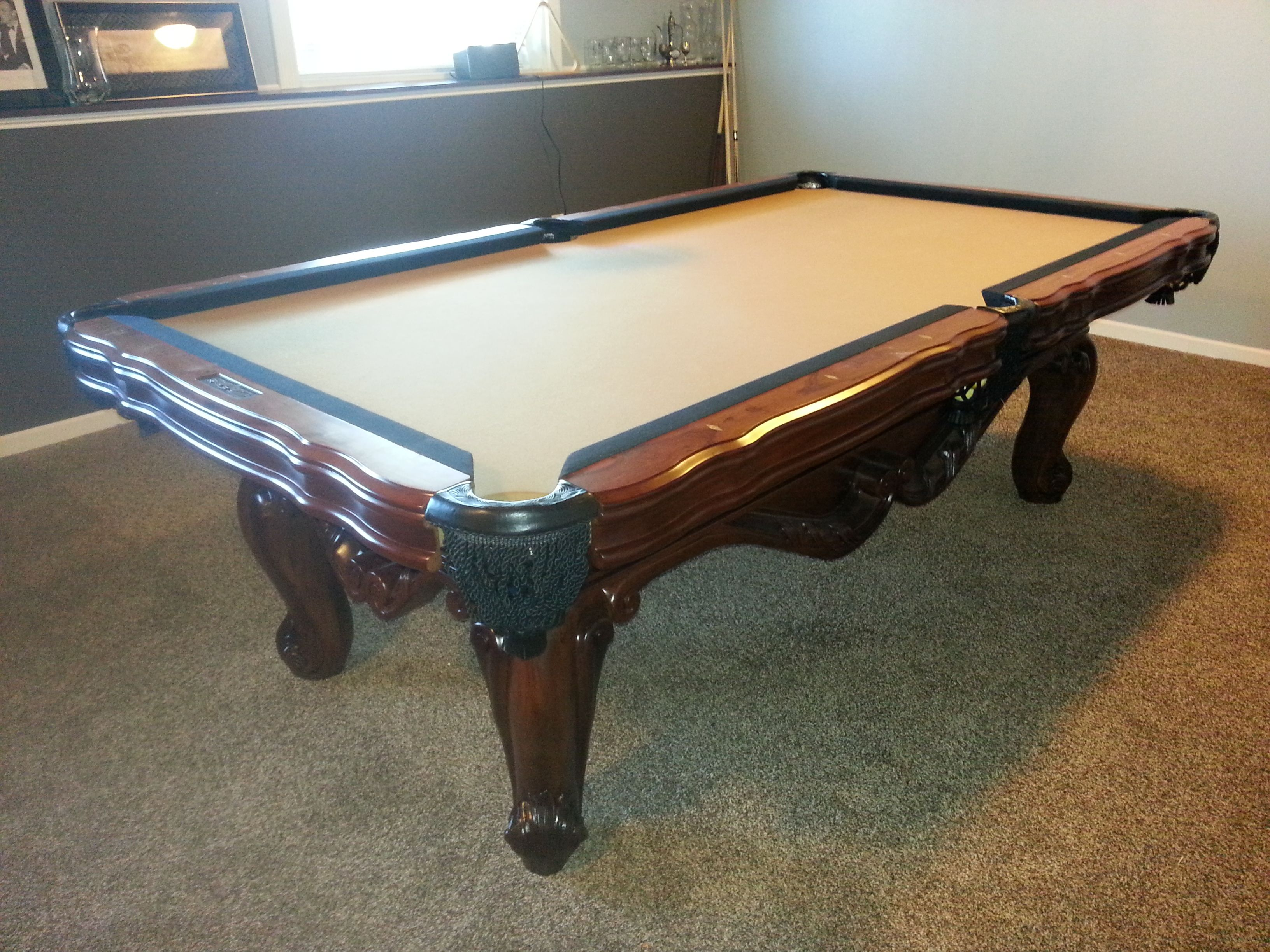 Presidential Billiards Monticello Solid Wood Pool Table With 2 Tone Simonis  860 Rail And Bed Cloth