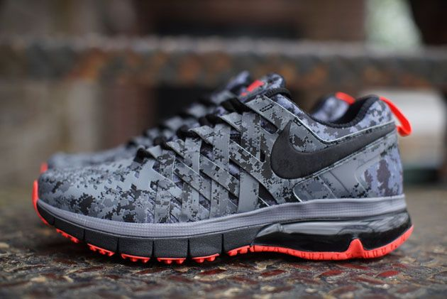 classic shoes fashion style well known Nike Fingertrap Max NRG - Reflect Silver / Black - Dark Grey ...