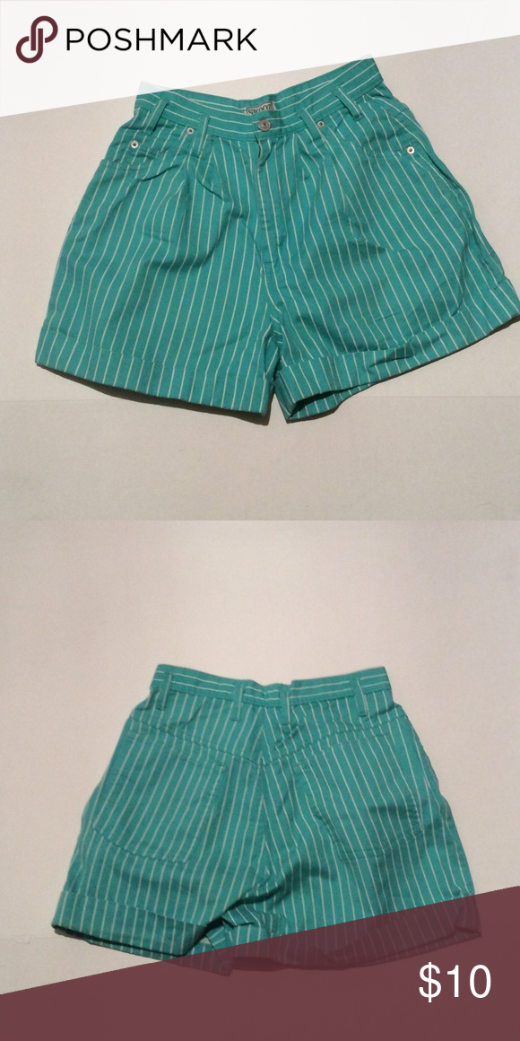 Vintage Stripe Shorts Size 7 100% cotton . length 17 waist 26 Vintage Shorts