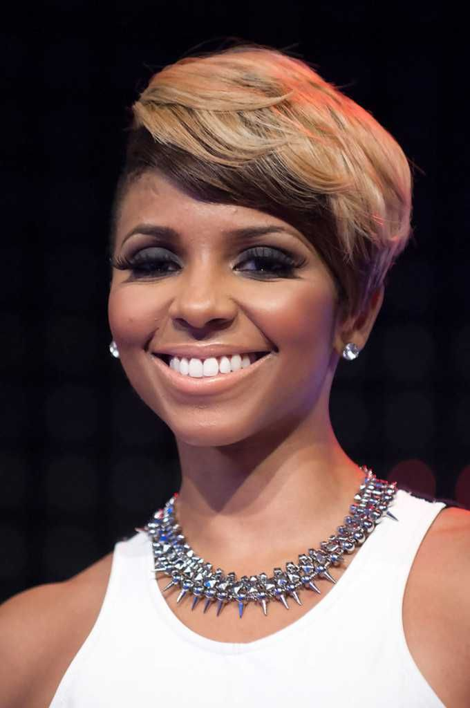 Short haircuts for black women with round faces hair styling short haircuts for black women with round faces winobraniefo Images