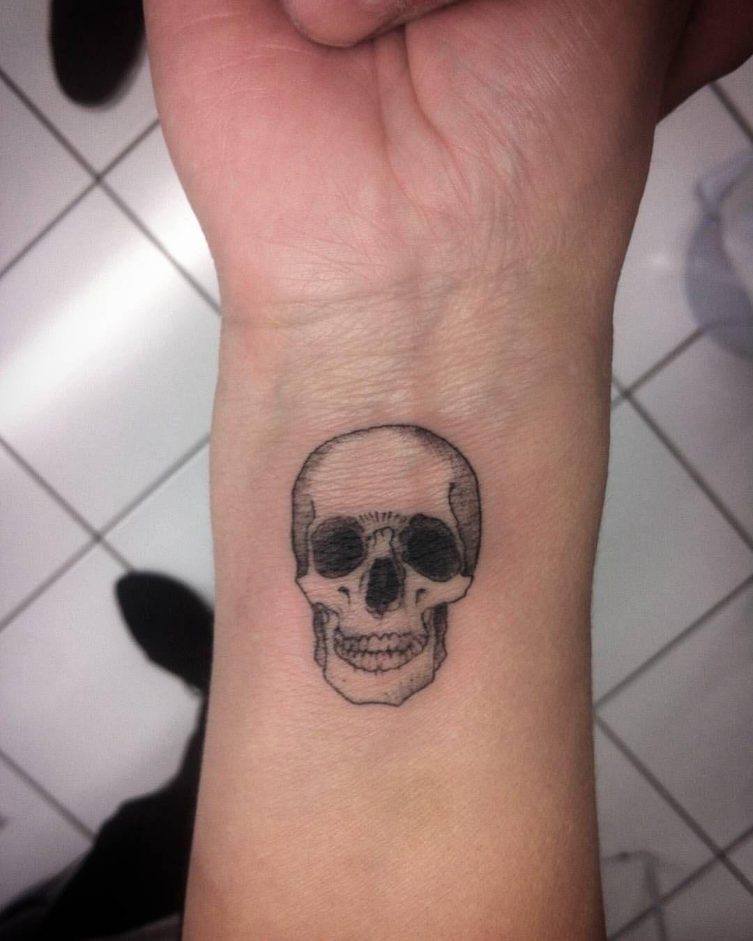 Resultado de imagem para estudio de tatuagem simples