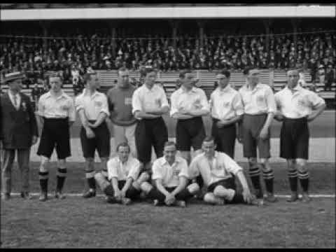 ولد فيفيان وودوارد في الثالث من جوان 1879 وهو لاعب كرة قدم كان يلعب كمهاجم ولعب مع منتخب إنجلترا لكرة القدم منذ عام 1903 Tottenham Hotspur Skills Legend
