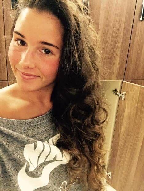 Nackt sarah bild lombardi Sarah Lombardi