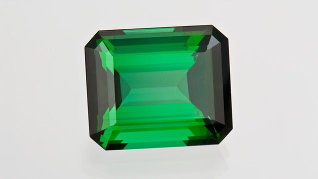Green tourmaline typically has fewer inclusions than some other colors like pink, red, and purple. GIA (120414)