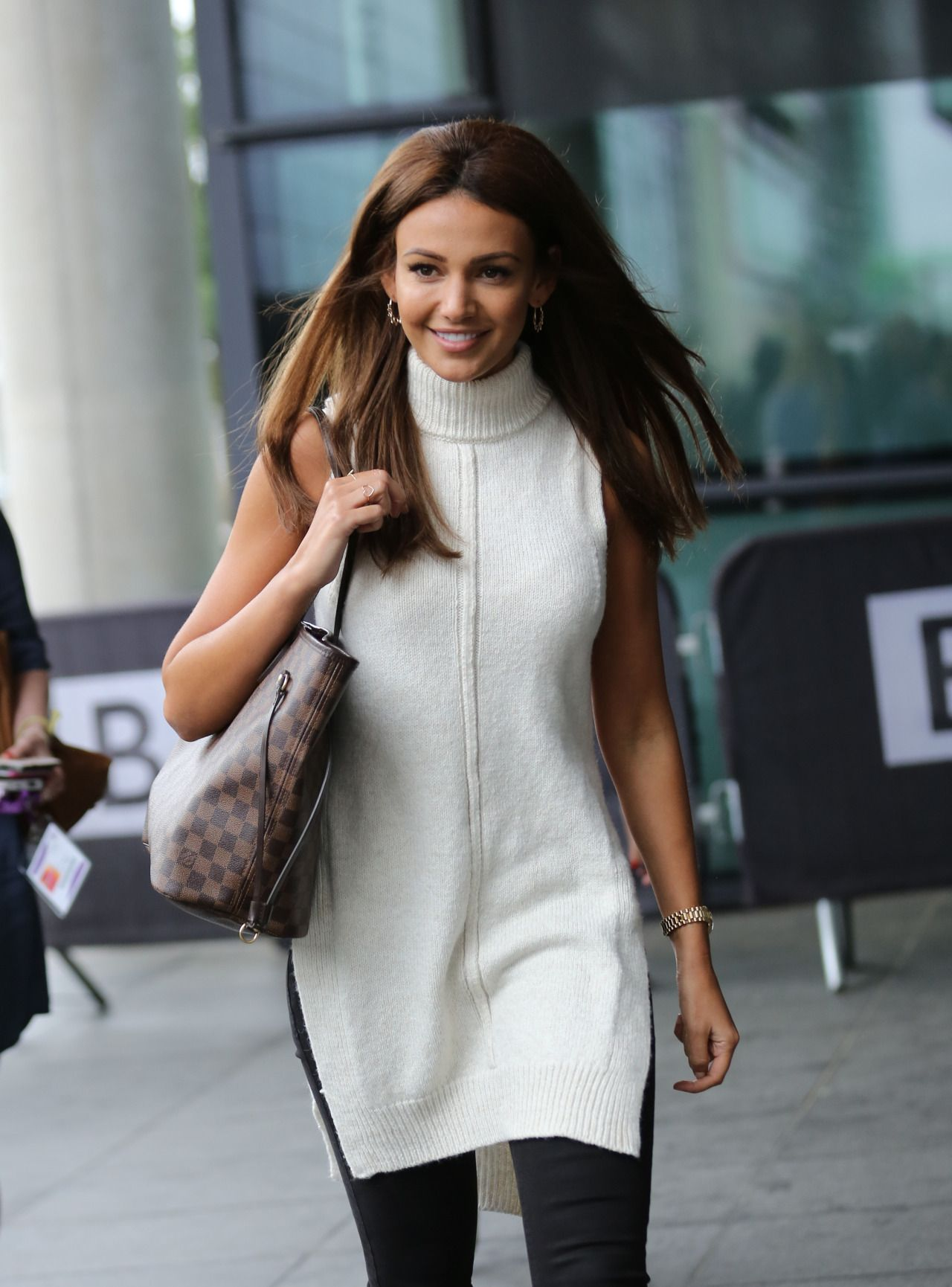 """Michelle Keegan at the Outside """"BBC Breakfast"""" Manchester (5 September, 2016)"""