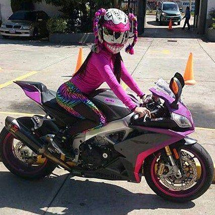La Bella  Biker-Girl Venezolana @marianny1616 -----@soundcarshow ----- Do you like it PicTe Gusta Esta Foto Si Estas Ready! Siguenos y Menciona a Tu Amig@... Las Mejores Fotos y Videos Del Mundo Motero Estan Aqui.  #soundcarshow #girl #sportscar #road #teamcars #speed #race #racing #wheels #rim #piques #moteros #biker #superbike #motos #sonido #caraudio #automotriz #maracaibo #cabimas #ciudadojeda #veredadellago #zulia #mcbocity #hornocity #tagsforlike #likeforlike by soundcarshow