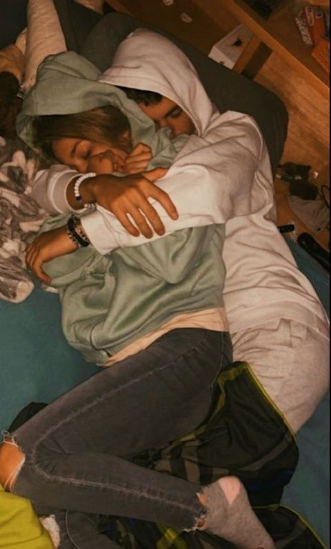 if we can't travel together at least we can cuddle � | couplegoalsss