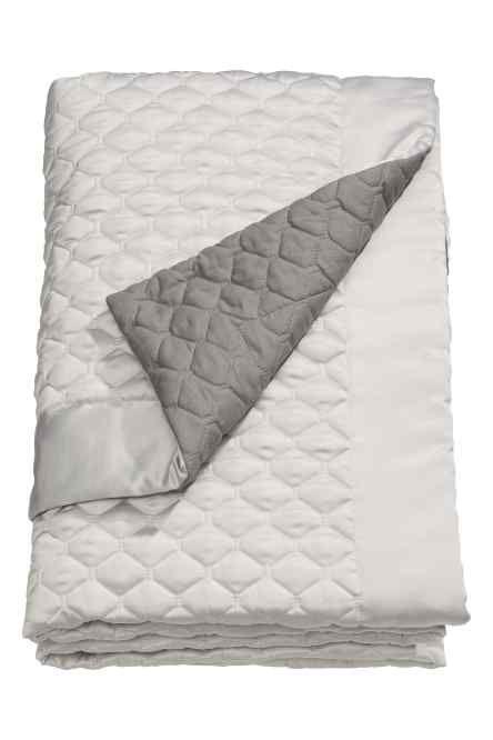 jet de lit matelass double chambre de mes reve pinterest jet de lit lits et chambre de. Black Bedroom Furniture Sets. Home Design Ideas