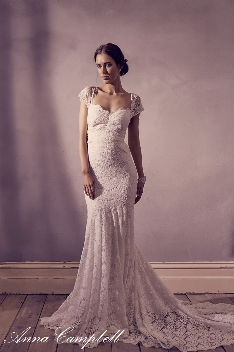 Saasha by Anna Campbell Size 2 Wedding Dress | Novios