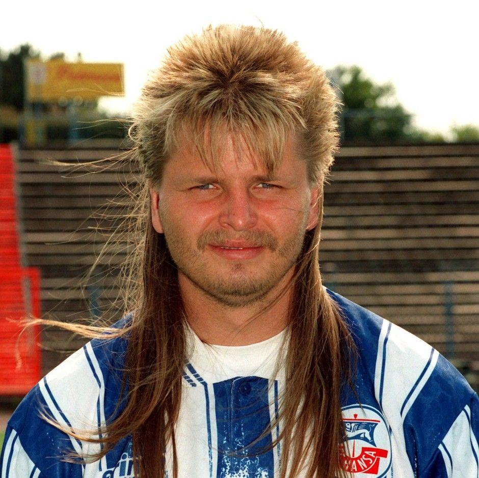 Vokuhila Vokuhila Frisur 80er Faz Bundesliga Mike Werner German Aktuell Tore Typen Trainer Jahre 90er Mullet Divor In 2020 Mens Hairstyles Mullet Hairstyle Hair Styles